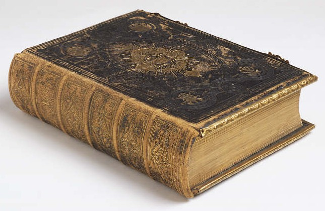 stara debela knjiga